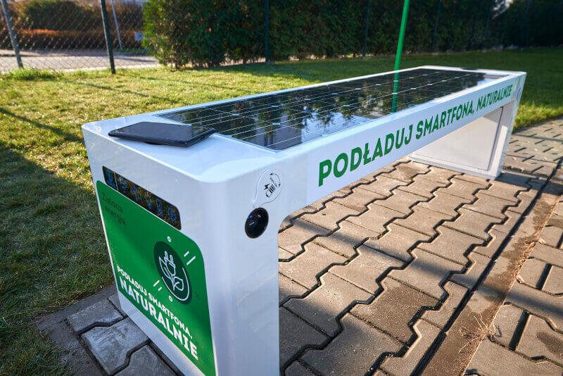 Zabka-ekosklep-zielona-energia-lawka.jpg